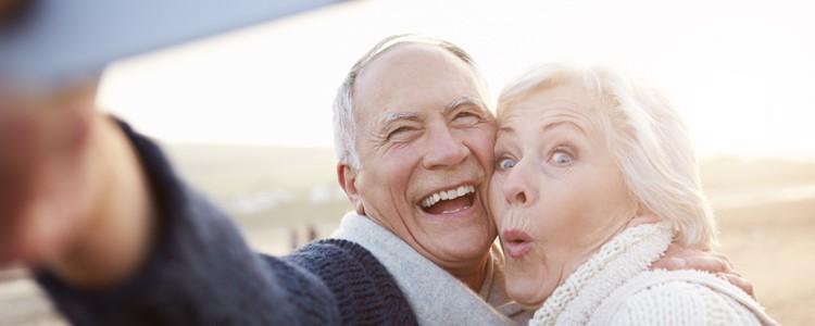 Seniors en voyage : créez votre espace photos/vidéos privé !