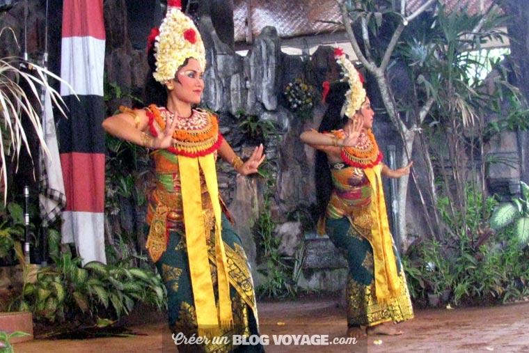 Vos enfants ne pourront qu'apprécier une visite privée à la découverte des danses de Batubulan
