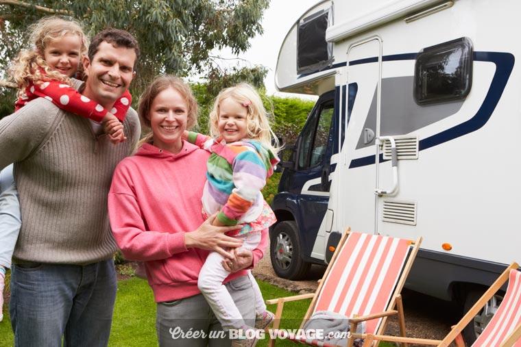 Comment créer un blog voyage ? Beaucoup de familles éprouvent le besoin de partager à distance ou de retour de leurs vacances