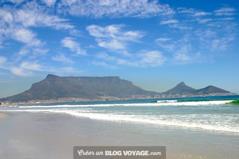 Très différentes des autres plages d'Afrique du Sud, les plages du Cap sont encerclées par de belles montagnes...